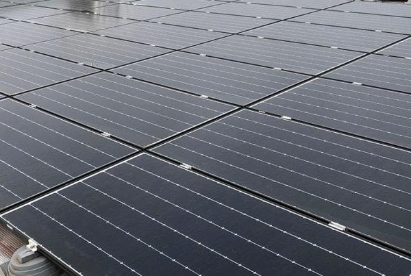 Centrale photovoltaïque toiture en autoconsommation Decathlon Vélizy Helexia